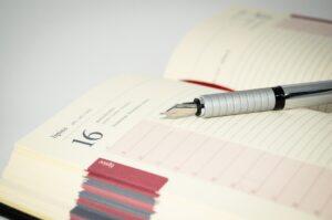 agenda ilustra a palavra schedule e asDiferenças entre inglês britânico e americano em 3 palavras